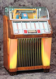 Vintage jukebox using 45s. Would be great to find one in this style using digital.