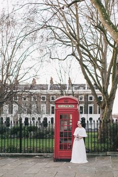 Retro London Elopement | Fly Away Bride