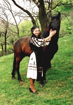 romanian people traditional clothing romanians culture