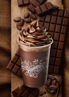 Café Chocolate, Chocolate Dreams, Chocolate Delight, Chocolate Lovers, Chocolate Recipes, Cute Desserts, Chocolates, Food Cravings, Smoothie Recipes