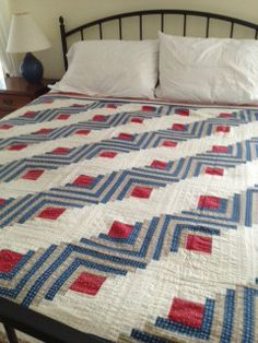 Rare Antique Quilt - Beautiful Vintage Americana - Red White and Blue - possible quilt of valor Old Quilts, Antique Quilts, Vintage Quilts, Log Cabin Quilts, Log Cabins, Patriotic Quilts, Quilt Of Valor, Traditional Quilts, Quilting Designs