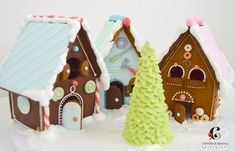 gingerbread house Christmas Gingerbread House, Christmas Hanukkah, Christmas Sweets, All Things Christmas, Christmas Cookies, Gingerbread Houses, Cookie House, Blue And White, Desserts