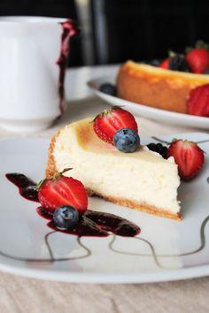 Samettisen pehmeä New York Cheesecake Cafe House, Piece Of Cakes, Cheesecake, New York, Desserts, Food, Deserts, Tailgate Desserts, New York City