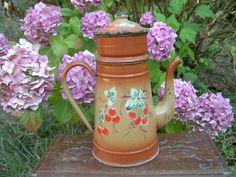 CAFETIERE émaillée décor en relief Cerises - Antique French enamel Coffee Pot
