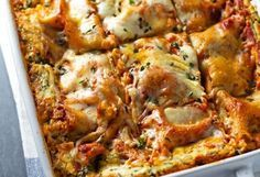 When it comes to comfort food, there is no greater combination than cheese and noodles. Take this dinnertime standby from good to great with these delicious lasagna recipes. Lasagna Recipe With Ricotta, Spinach Lasagna, Cookbook Recipes, Cooking Recipes, Food Network Recipes, Food Processor Recipes, Healthy Lasagna Recipes, Vegan Meals, The Kitchen Food Network