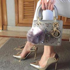 185 vind-ik-leuks, 7 reacties - Classy Ispiration (@classyandit) op Instagram: 'Dior my love   #fashion #ootd #fashionblogger #fashionable #fashionaddict #fashionable #stylist…'