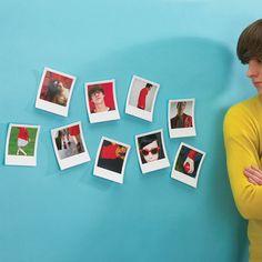 Convierte tus imágenes en polaroids y llena tu pared con ellas.