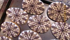 Ukrainian Easter Egg / Pysanka Cookies from Krystynas Kitschn