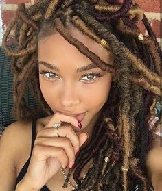 braids with beads kids, braids with beads for women, braids with beads for girls. Faux Locs Hairstyles, Bohemian Hairstyles, Faux Dreads, Crochet Dreadlocks, Crochet Braids, Curly Hair Styles, Natural Hair Styles, Individual Braids, Fulani Braids