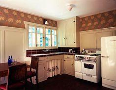 GARDEN COTTAGE / retro kitchen