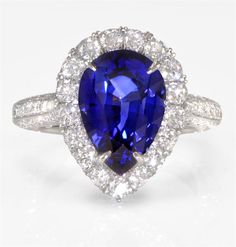 MY DREAM RING!! Sapphire and Diamond pear shaped engagement ring