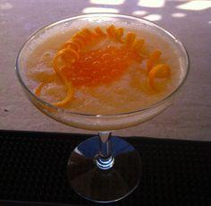 molecular cantaloupe melon daiquiri made by nicolacocktail.blogspot.com