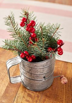 19 Gorgeous Farmhouse Christmas Crafts to Make This Holiday