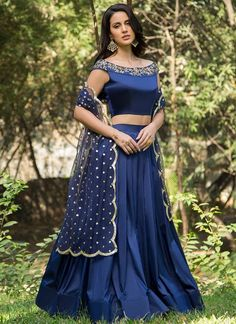 Royal Blue and Gold Embroidered Off Shoulder Lehenga relationship wants / royal blue dress for wedding / royal blue wedding dress / blue wedding dress royal / royal blue wedding Lehenga Choli Designs, Sari Blouse Designs, Fancy Blouse Designs, Indian Fashion Dresses, Indian Designer Outfits, Designer Dresses, Designer Wear, Stylish Blouse Design, Stylish Dress Designs