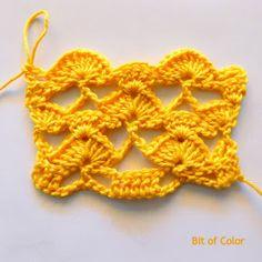 Bit of Color: Zomertop haken met Haakschema Crochet Crafts, Diy Crafts, Crochet Stitches, Crochet Earrings, Vest, Color, Mary, Kids, Dots
