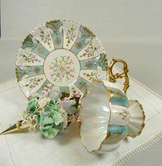 Lusterware pedestal tea cup & saucer