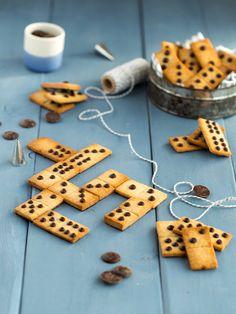 Domino Shortbreads Choco / Coconut / Banana (sin h - Ensalada Marisco Ideas Domino Cookie Recipe, Cookie Recipes, Dessert Recipes, Tea Party Snacks, Biscuits, Shortbread Recipes, Cute Desserts, Food Humor, Food Cravings