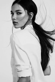 An entry from Quite Continental Black and White Photography Woman Portrait Photography Women, Portrait Photography, Fashion Photography, Hair Photography, Black And White Portraits, Black And White Photography, Monochrome Photography, Foto Glamour, Model Test
