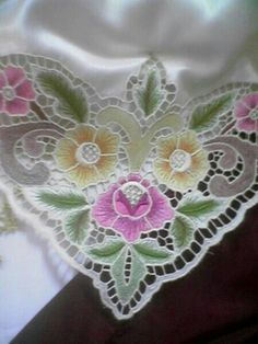 made on satin fabric Cutwork Saree, Cutwork Embroidery, Cross Stitch Embroidery, Embroidery Patterns, Machine Embroidery, Sewing Patterns, Embroidery Suits Design, Cut Work, Fabric Painting