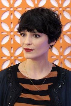 Os cabelos curtos da maquiadora Vanessa Rozan. Crédito: Vanessa Rozan/Instagram
