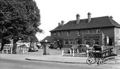 Photo of Sutton, The Woodstock, Stonecot Hill Old Photos, Vintage Photos, Sutton Surrey, East London, Woodstock, Kingston, Childhood Memories, Nostalgia, Street View