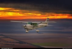 High quality photo of N118FR (CN: 17276268) Private Cessna 172P Skyhawk II by FDX777