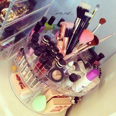Make up organizer Beauty Makeup, Hair Beauty, Beauty Stuff, Make Up Storage, Make Up Organiser, Glam Room, Cosmetic Storage, Vanity Decor, Crazy Makeup