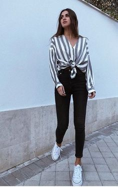 100 Super style casual outfits ideas for spring summer fashion trendy outfits 2019 Chic Summer Outfits, Cute Casual Outfits, Fashion Looks, Cute Fashion, Fashion Styles, Fashion Ideas, Women's Fashion, Teen Fashion Outfits, Girl Outfits