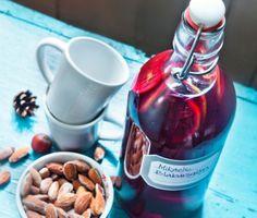 Recept: Blåbärsglögg med kanel, kardemumma och stjärnanis (Blueberry mulled wine with Christmas spices)