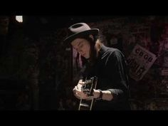 "James Bay ""Scars"" (Acoustic) - YouTube"