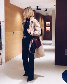 Zara Fashion, Look Fashion, Fashion Outfits, Classy Outfits, Cool Outfits, Dress Over Pants, Military Style Jackets, Over 50 Womens Fashion, Business Fashion