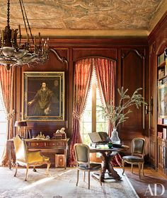 Kara Childress decorated a Texas home with a Louis XVI desk and 17th-century Spanish portrait sourced from France.