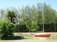 Jamalo sur notre plan d'eau ... vous recherchez une location originale, nous l'avons trouvé pour vous