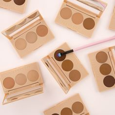 Insta Contour & Conceal palette- Camouflages the different tones on your face and allows you to sculpt the angles, creating a naturally flawless complexion and defined features. Apply on top of foundation and blend.