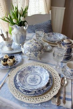 French country style decor is a popular way to decorate, these days. You can create a warm living space that bursts with old world charm. Finding the right French living room accessories may not be as hard as you think. Blue And White China, Blue China, White Opal, French Living Rooms, Beautiful Table Settings, Blue Table Settings, White Dishes, Blue Dishes, Deco Table