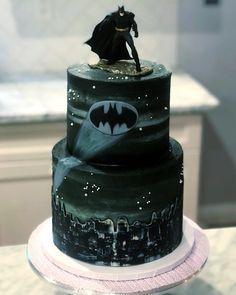 59 Ideas Birthday Cake For Men Superhero For 2019 30th Birthday Cakes For Men, Batman Birthday Cakes, Batman Cakes, Batman Party, Batman Grooms Cake, Superhero Cake, Cake Creations, Cake Designs, Amazing Cakes