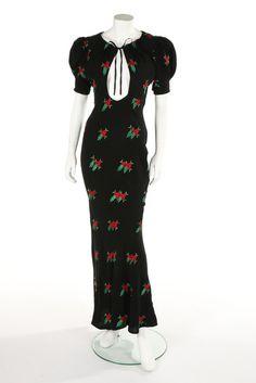 An Ossie Clark/Celia Birtwell embroidered black crêpe bias-cut dress, circa 1971 Seventies Fashion, 70s Fashion, Fashion History, Vintage Fashion, Fashion Outfits, Maxi Outfits, Celia Birtwell, Clarks, Ossie Clark