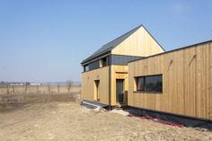 Projekty rodinných domů Vesper Homes Shed, Outdoor Structures, Homes, Houses, Home, Computer Case, Barns, Sheds