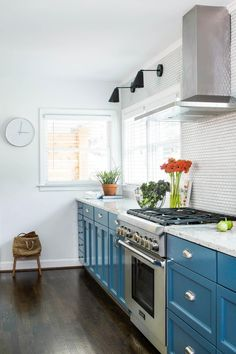 Get inspired by Eclectic Kitchen Design photo by TERRACOTTA DESIGN BUILD. Wayfair lets you find the designer products in the photo and get ideas from thousands of other Eclectic Kitchen Design photos. All White Kitchen, New Kitchen, Kitchen Dining, Kitchen Decor, Kitchen Cabinets, Kitchen Ideas, Blue Cabinets, Colored Cabinets, Upper Cabinets
