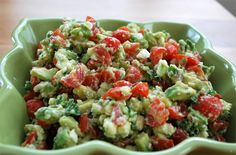 Avocado, Tomato & Feta Dip 2 hass avocados (diced) 1 cup cherry tomatoes (diced) 1/2 red onion (diced) 3/4 cups crumbled feta cheese 1 tablespoon lemon juice 1 tablespoon red wine vinegar 2 tablespoons fresh chopped parsley