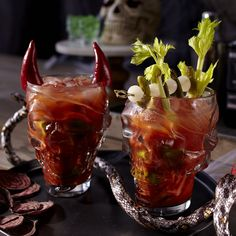 devil-horns-and-mohawk (on a Bloody Mary cocktail) Creepy Food, Creepy Halloween Food, Halloween Havoc, Halloween Foods, Halloween Cocktails, Cocktail Garnish, Candy Melts, Delicious Dinner Recipes, Halloween Drinks