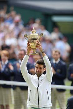 The Duchess of Cambridge presented a Wimbledon trophy for the first time as Novak Djokovic was again crowned king of Centre Court. Kate, patron of the All Engla Lawn Tennis, Sport Tennis, Soccer, Us Open, Rafael Nadal, Roger Federer, American Tennis Players, Nba, Wimbledon Tennis