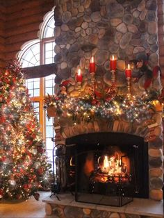 in fireplace ideas christmas Christmas fireplace Christmas Scenery, Christmas Tree Themes, Christmas Pictures, Winter Christmas, Christmas Home, Christmas Lights, Vintage Christmas, Christmas Wreaths, Holiday Decor