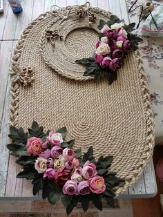This Pin was discovered by Nac Jute Crafts, Rustic Crafts, Easy Diy Crafts, Chandelier Wedding Decor, Hand Art, Crochet Home, Sisal, Handmade Decorations, Flower Crafts
