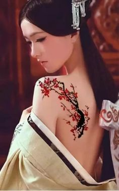 Chinese Body Painting Posted by Sifu Derek Frearson Source by sifuderekfrears. - Chinese Body Painting Posted by Sifu Derek Frearson Source by sifuderekfrearson - Henna Set, Japonesas Hot, Tattoo Prices, Chica Fantasy, Geisha Art, Henna Patterns, Black And Grey Tattoos, Chinese Art, Asian Art