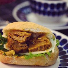 Have you ever tasted seitan? Check out Milja's recipe on the blog 👉 #linkinbio ⠀  ⠀  ⠀  ⠀  ⠀  ⠀  #moreontheblog #newblogpost #linkkiprofiilissa #uusiblogipostaus #bloggers #blog #blogi #seitan #veggies #veggiefood #vegan #veganfood #food #getthetoolboxblog