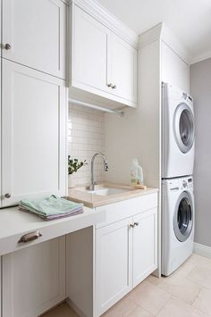 Have small laundry room? Got a boring laundry room? Need small laundry room design ideas? Don't worry, we're here to help you. White Laundry Rooms, Modern Laundry Rooms, Farmhouse Laundry Room, Laundry In Bathroom, Basement Laundry, Zebra Bathroom, Tiny Bathrooms, Laundry Area, Laundry Closet