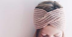 Følelsen av å lage noko nyttig ut av eit halvbrukt, trist garnnøste er heilt . Følelsen av å lage noko nyttig ut av eit halvbrukt, trist garnnøste er heilt fantastisk! For eksempel på dette panne. Crochet Socks, Knitted Slippers, Crochet Clothes, Knitted Hats, Knit Crochet, Lace Knitting, Knitting Socks, Knitting Patterns Free, Diy Crafts Knitting