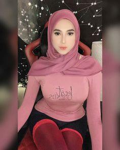 Teady Bear, Big Melons, Indonesian Girls, Girl Hijab, Muslim Women, Girl Photos, We Heart It, Ootd, Graphic Sweatshirt