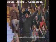 Flavio Insinna in versione carnevalesca ad Affari Tuoi